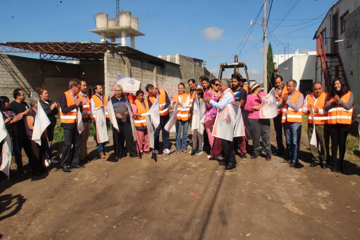Alcalde puso en marchas 2 obras publicas en Hualcaltzinco y Santa Úrsula