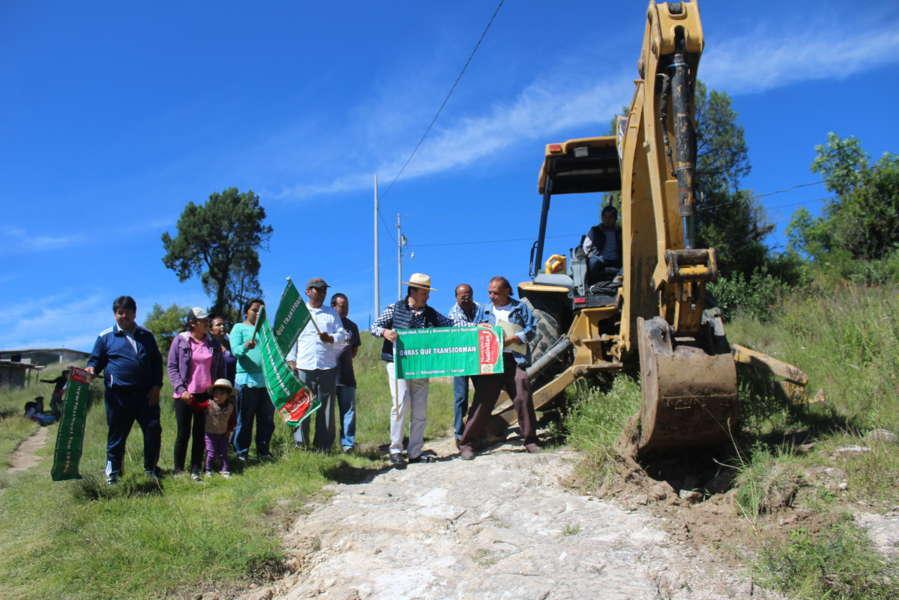 Pobladores de Tenexyecac contarán con red de agua potable: alcalde