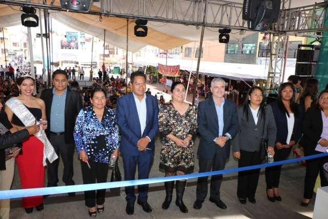 Cutberto Cano Coyotl inaugura Feria de la Talavera en San Pablo del Monte 2017