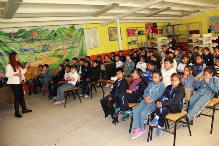 """Reciben alumnos de Texóloc, plática de """"Menores conviviendo sin violencia"""""""