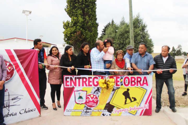 Entregan pavimentada Privada 1 De Mayo de Santa Cruz Tlaxcala