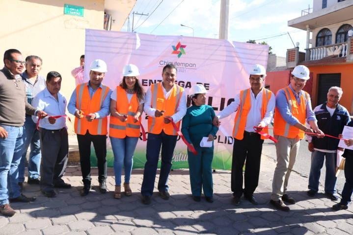 Inicia Ayuntamiento de Chiautempan ampliación de red eléctrica en Texcacoac