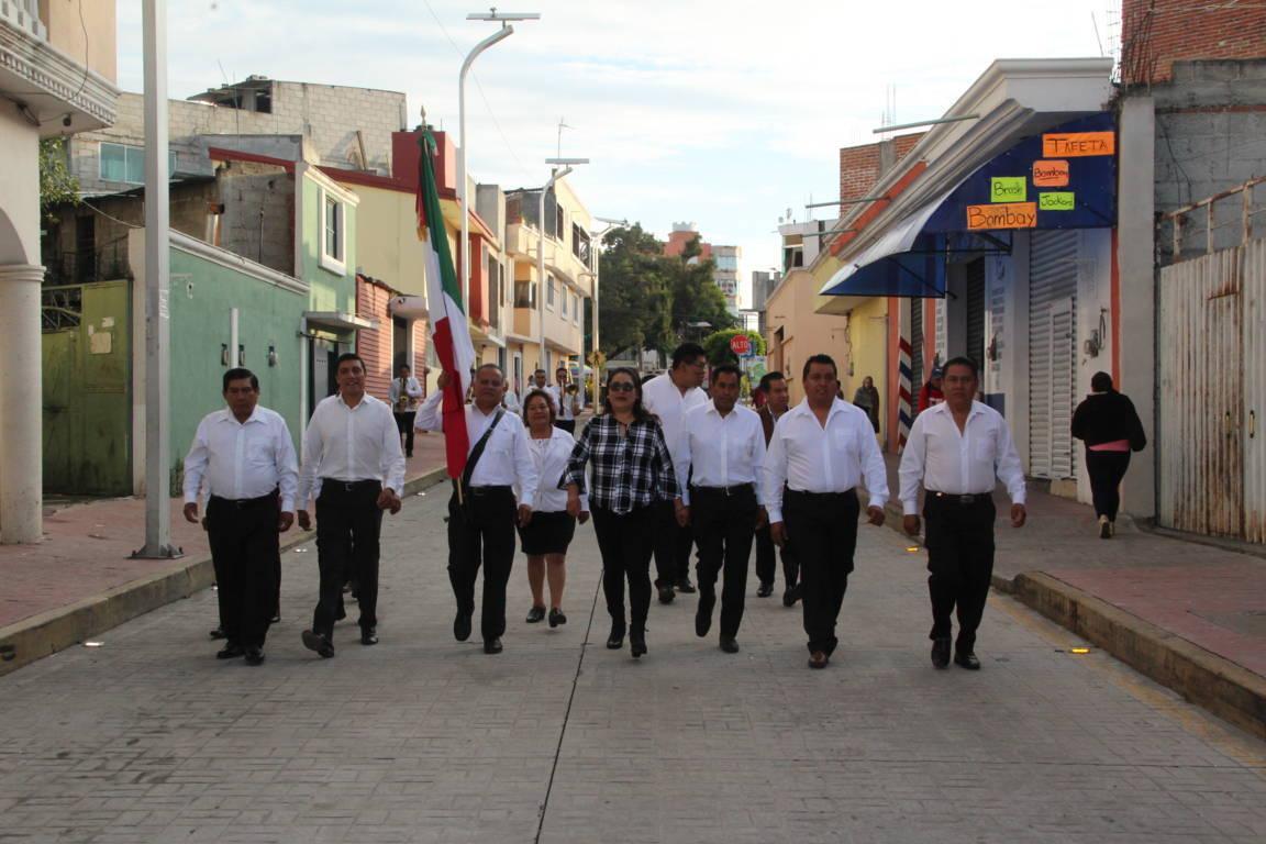 Alcalde encabezó fijación del Bando Solemne y dio inicio el mes patrio