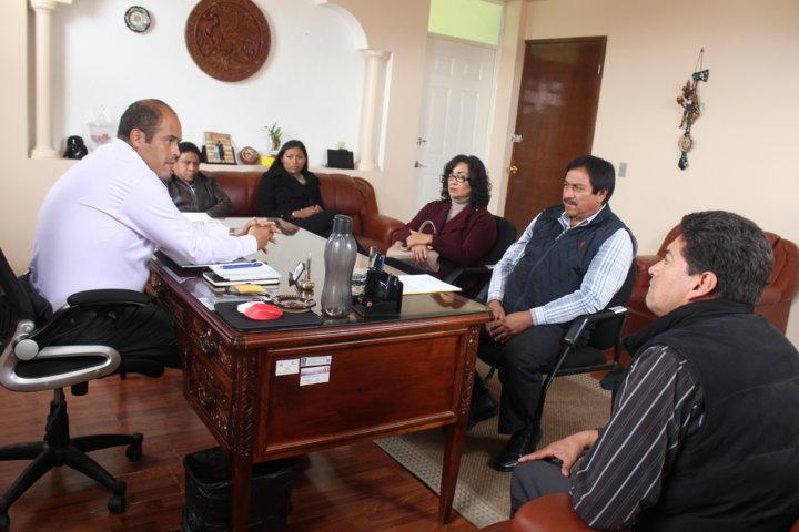Alcalde acerca diversos cursos a la población a través de Misiones Culturales
