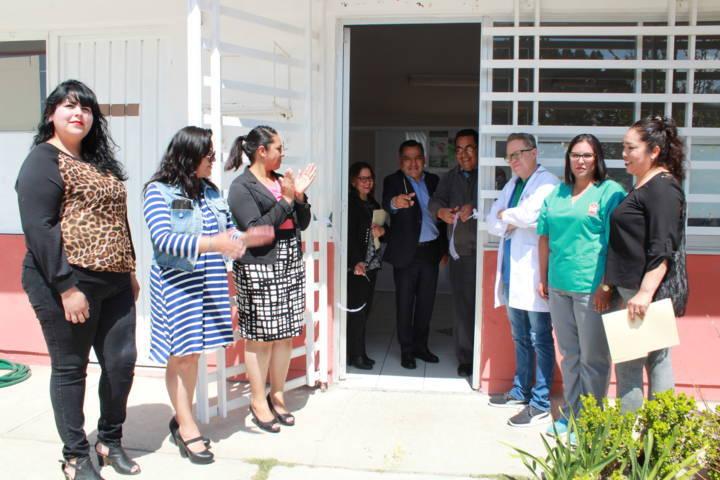 Se inaugura en Tetla Aula Dental, en la escuela primaria Tlahuicole