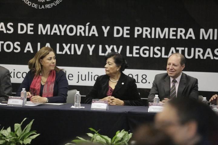 Entrega INE constancias de mayoría de Senadores Electos