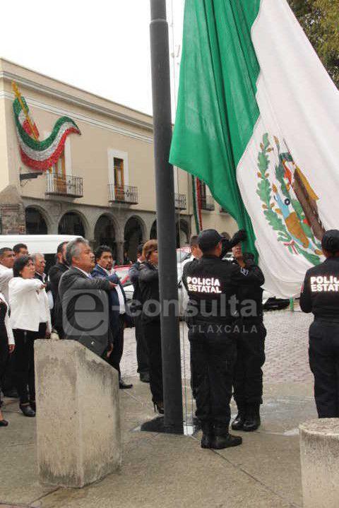 Impulsemos los valores éticos para lograr el desarrollo de México: alcalde