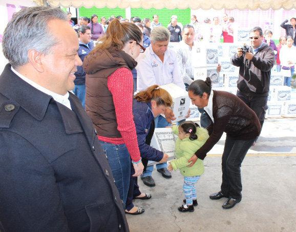 DIF Huamantla entrega despensas  como parte de la Cruzada Nacional contra el Hambre
