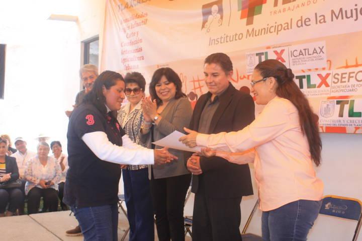 Clausura IMM ocho talleres en beneficio de las mujeres