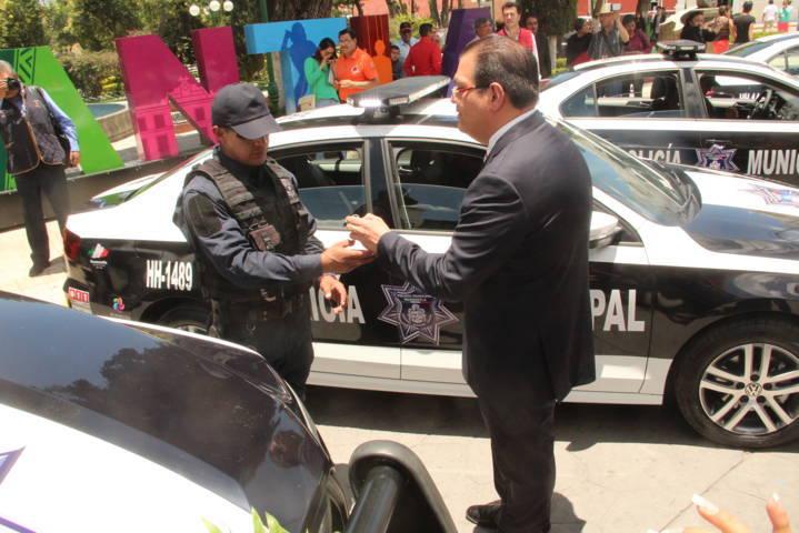 Sánchez Jasso refuerza la seguridad entregando 5 nuevas patrullas