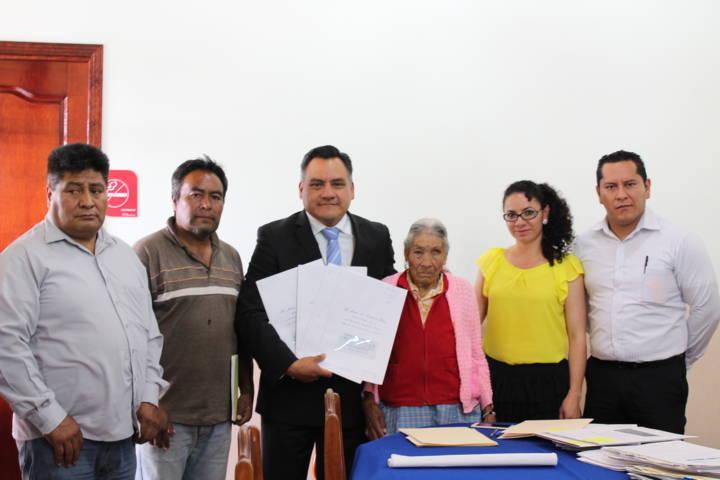 Se entregan 23 escrituras a ciudadanos en Tetla de la Solidaridad