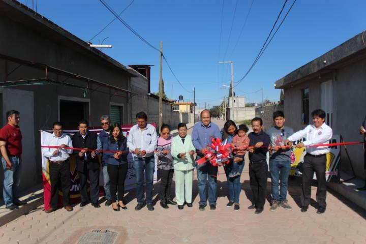 La calle Nicolás Bravo fue pavimentada con 1.4 mdp: Sanabria Chávez