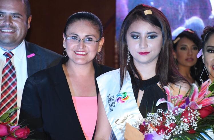 Karina será coronada Reina De La Feria De Tlaxco 2018