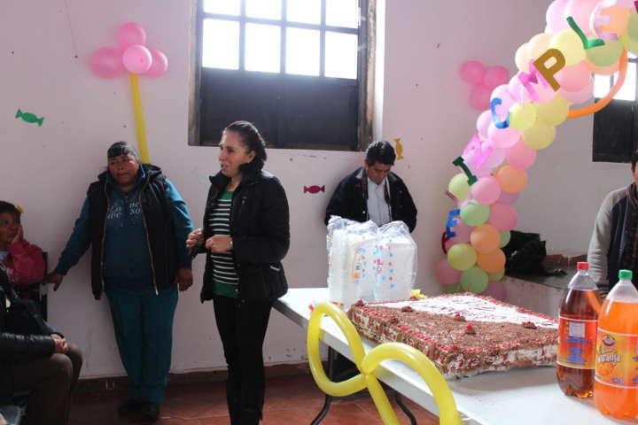 Festeja SMDIF de Tetla de la Solidaridad a jovenes en plenitud por su onomástico