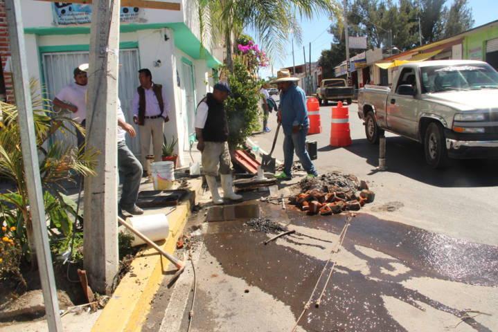 Ayuntamiento repara red y rehabilita válvula del sistema de agua potable