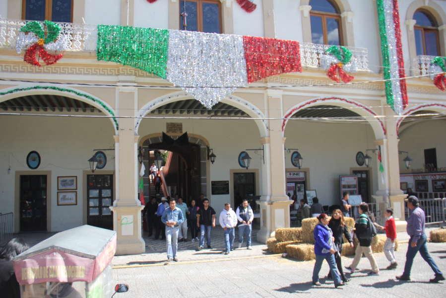 Con simulacro de sismo recuerda Calpulalpan día nacional de protección civil