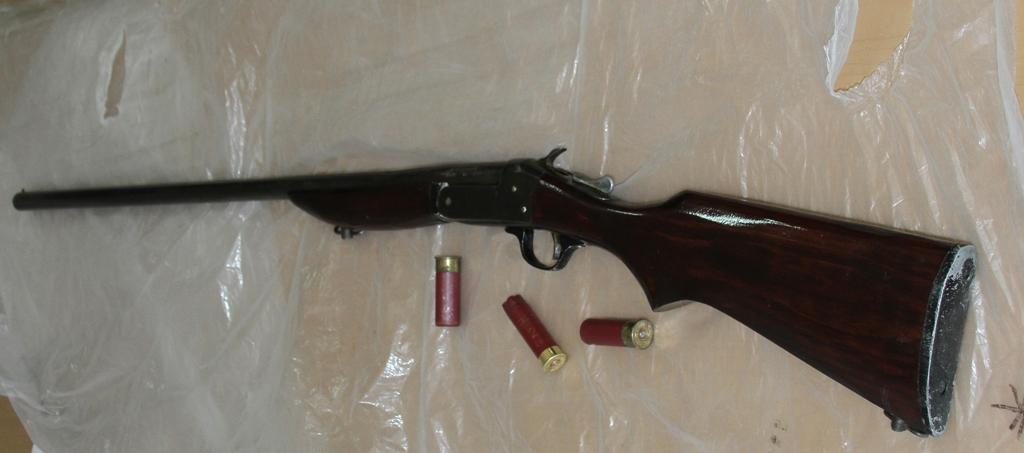 Asegura Policía Estatal a dos sujetos con arma de fuego
