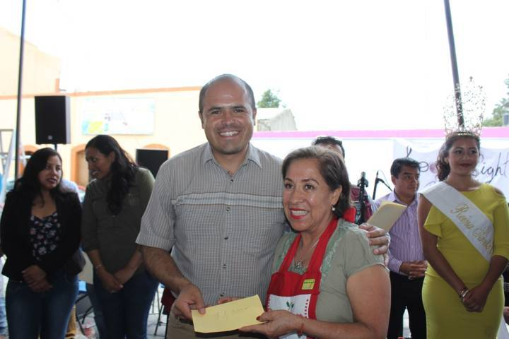 Concurrido Festival de Chiles en Nogada en Santa Cruz Tlaxcala