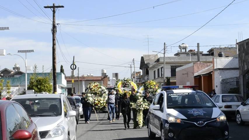 Tzompantepec despide y rinde homenaje póstumo al ciclista Carlos López