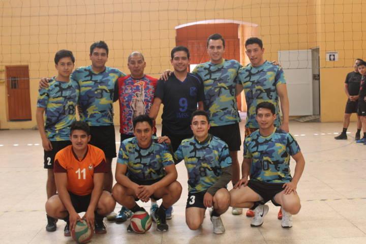 Ayuntamiento fomenta el deporte con torneo de voleibol