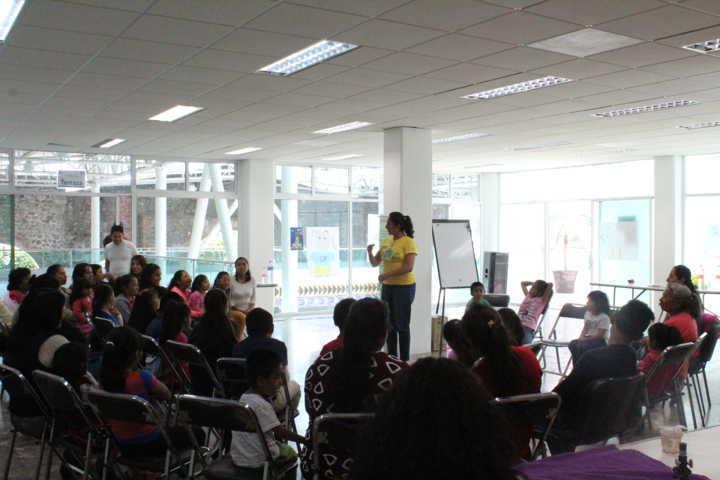 Ayuntamiento y SMDIF fomenta la igualdad de género en mujeres y niños