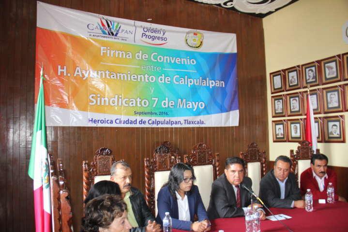 Actualizan en Calpulalpan contrato colectivo de trabajo con sindicato 7 de Mayo.