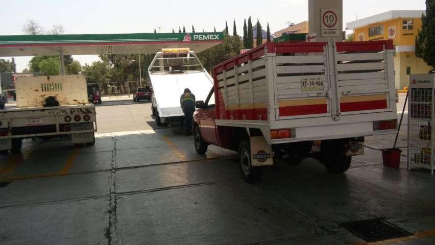 Tras persecución, Policía de Apizaco detiene a ladrones de camioneta