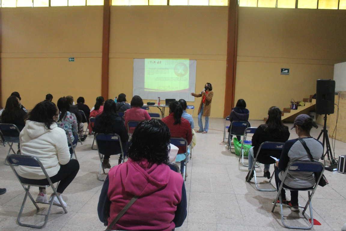 DIF de Santa Cruz Tlaxcala organiza pláticas para prevenir la violencia hacia la mujer