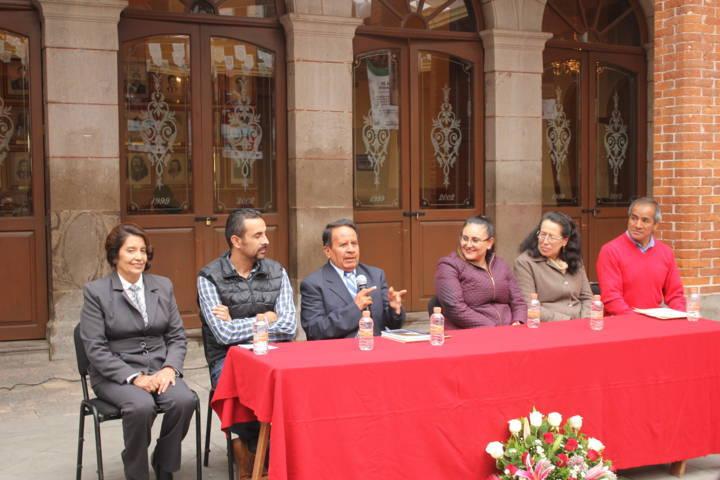 Chiautempan presenta libro en Tlaxco como parte de la hermandad cultural