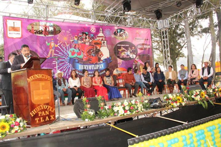 León Garfias inaugura feria Hueyotlipan 2018 Rescatando Nuestra Cultura