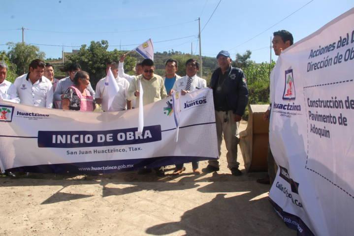 Alcalde pone en marcha los trabajos de pavimentación en la Cristóbal Colon