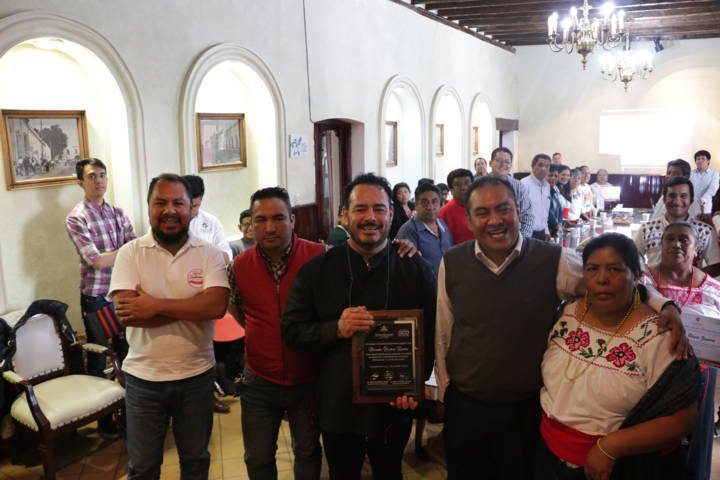 Reconoce Chiautempan como visitante distinguido al chef Ricardo Muñoz Zurita