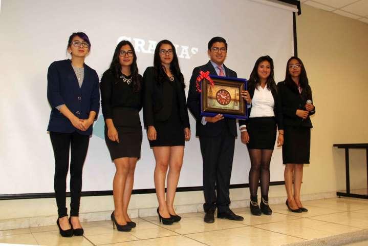 Miguel Ángel Covarrubias imparte conferencia en la UPT