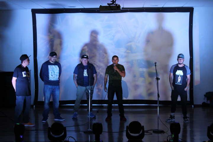 Jóvenes raperos de SPM presentan corto documental sobre la vida de un migrante