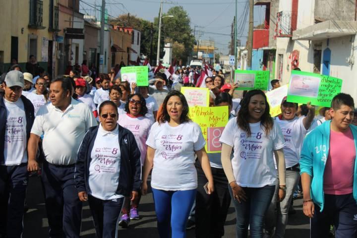 Diana Arana encabezó caminata del Día Internacional de la Mujer