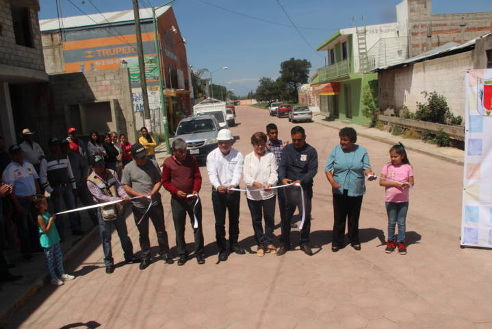 Molina Pérez continua entregando obras de beneficio social para los pobladores