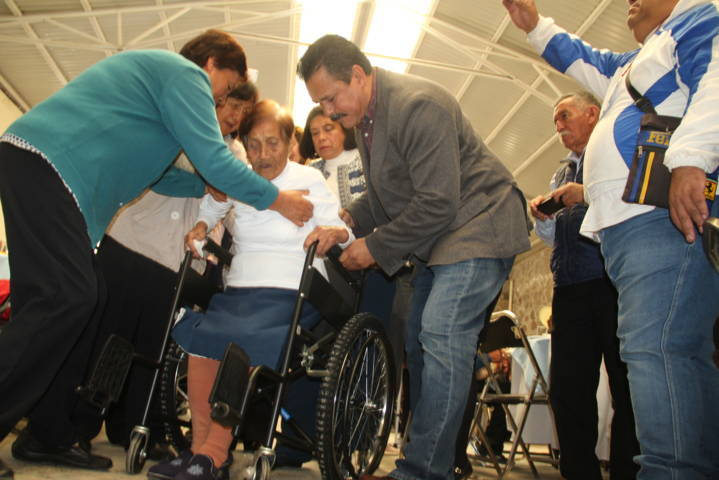 Estos aparatos funcionales eliminan las barreras de los discapacitados: alcalde