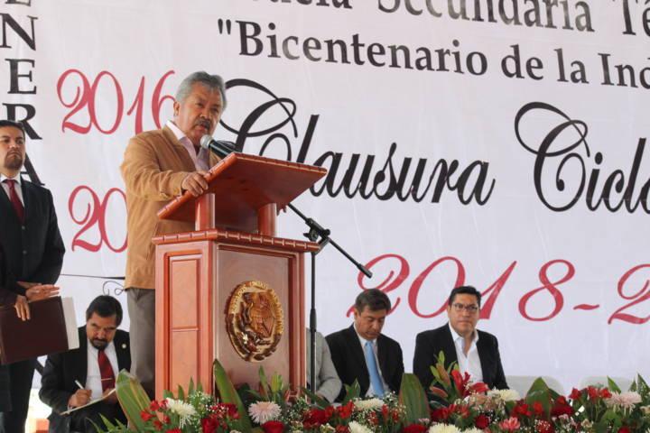 Egresados ustedes son el potencial para el desarrollo del municipio: alcalde