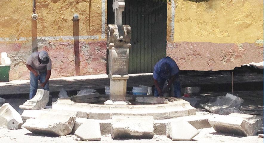 Inicia Ayuntamiento de Huamantla trabajos de rehabilitación de fuente emblemática