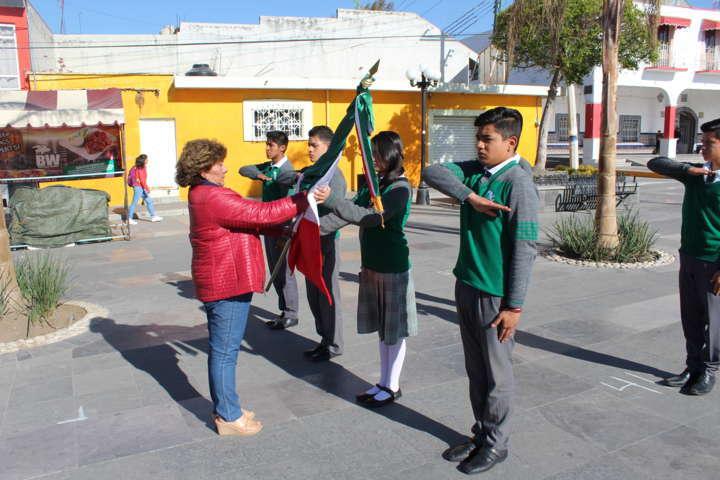 Conmemora Badillo Jaramillo el Día de la Bandera