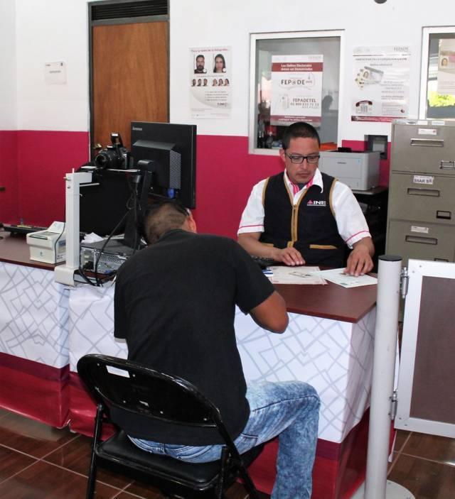"""El 31 de Diciembre caducarán credenciales """"18""""; INE Tlaxcala urge a renovarlas"""
