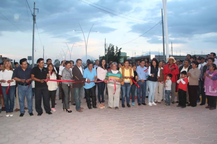 Con el encendido de 82 luminarias fortalecemos la seguridad en la colonia: alcalde