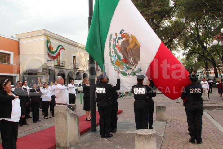 Desampedro López encabezo Arrio de Bandera en la capital del estado