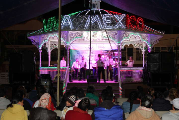 Con encuentro de mariachis concluyen festejos patrios en Calpulalpan