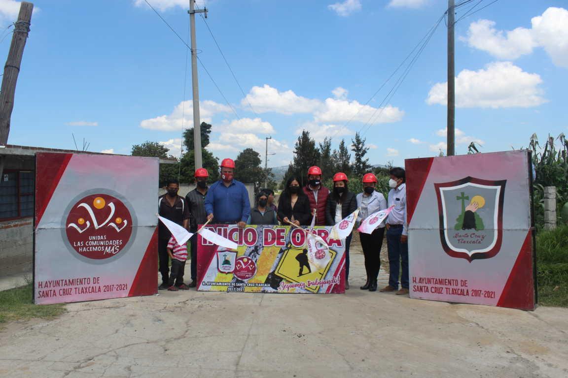 Inicia la pavimentación de adoquín en Calle México 86 de San Lucas Tlacochcalco