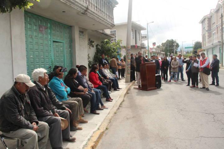Alcalde inicia los trabajos de rehabilitación de drenaje en la AV. Hidalgo de Aquiahuac