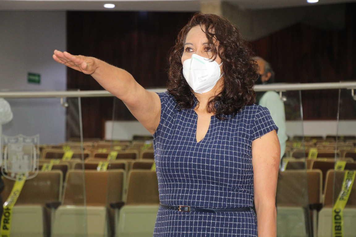 Toma protesta Leticia Valera como integrante de la LXIII Legislatura