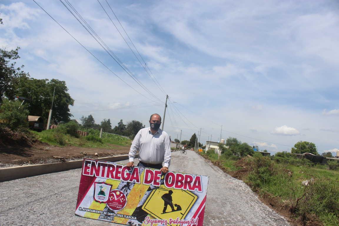 Entrega Sanabria Chávez ampliación de drenaje sanitario a vecinos de la Calle 3 de Mayo