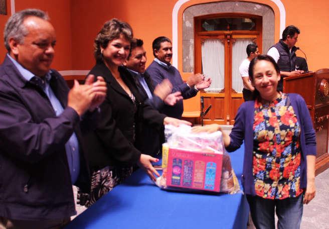 Cumple Ayuntamiento de Huamantla con personal de base
