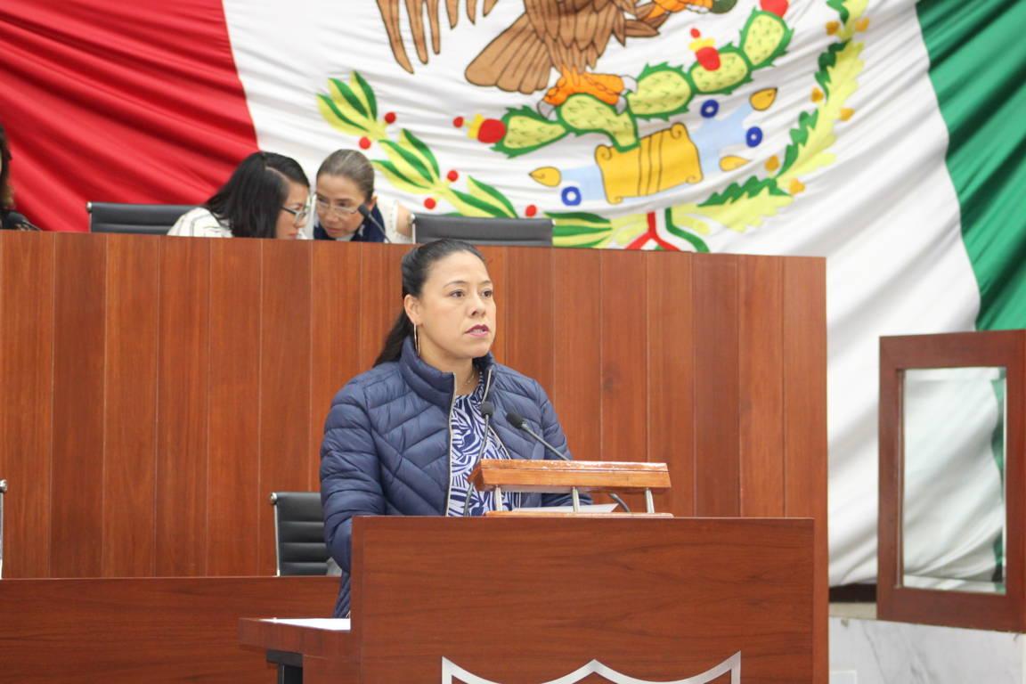 Propone Luz Vera reformar otra vez la constitución local en materia educativa